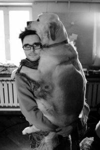 обнимашки с собаками